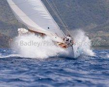 Classic yacht Lone fox makes a splash