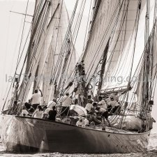 Classic yacht Eleonora from astern