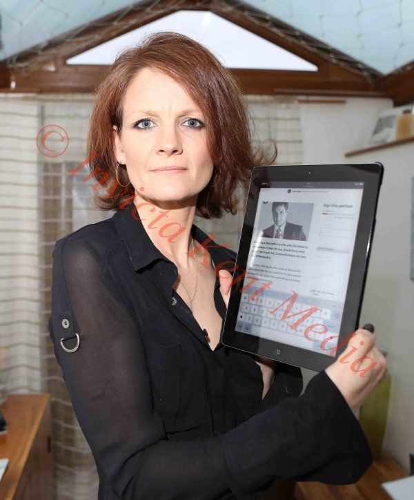 Pic Shows; Anna Rowe Age 41 from Roudh Common in Canterbury Kent at Home . She was involved in A scam on Tinder Box.  SEE FERRARI COPY