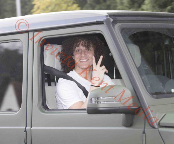 PICS SHOWS.Chelsea players and Academy Players  leaving Training today at the training ground in Cobham in Surrey. David Luiz