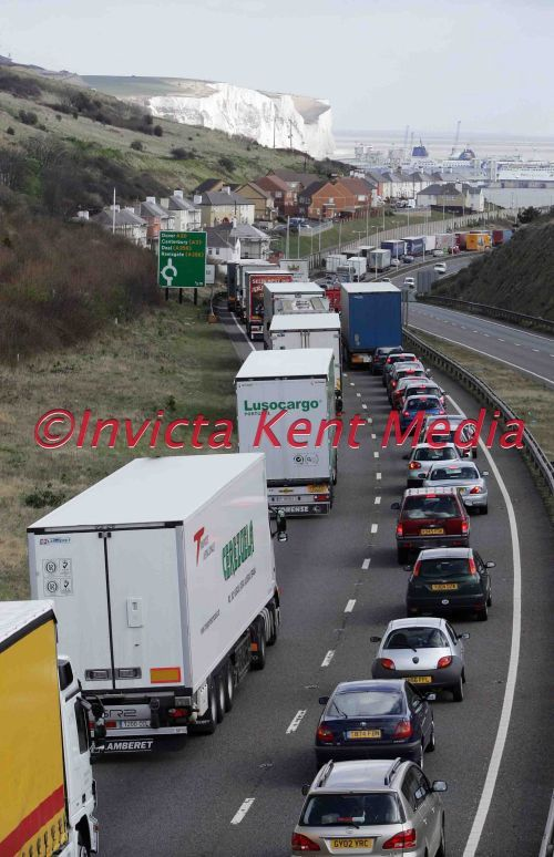 PIC SHOWS;EASTER GETAWAY; QUEING TRAFFIC TRYING TO GET INTO DOVER DOCKS TODAY GOOD FRIDAY,FROM DOVER HILL
