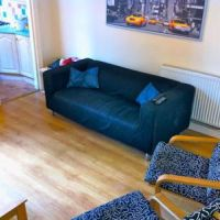 Loughborough-4-bed-23-curzon-lounge-2