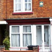 House can be rented by a group of 8 to form an 8 bed Loughborough student houses.