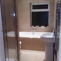 Modern luxury bathroom with spacious walk-in shower in 100 Forest Rd 5 let student house in Loughborough.