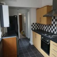 Modern kitchen in 56 Broad Street Loughborough student accommodation.