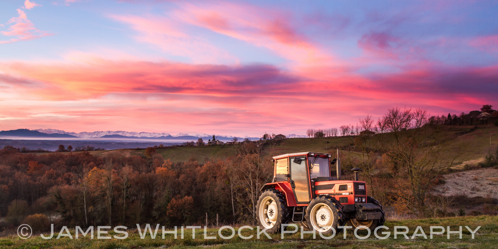 Tractor West Panorama