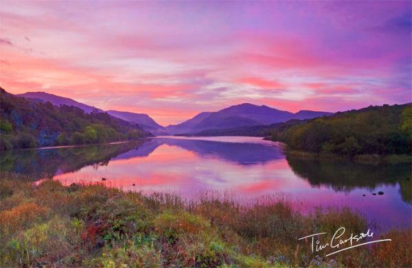 Beautiful Llyn Padarn at sunrise