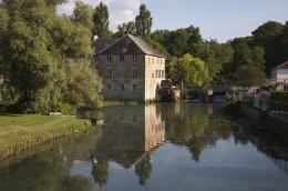 Moulin--le-Cygne