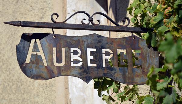 Le signe de l'auberge (Auberge sign)