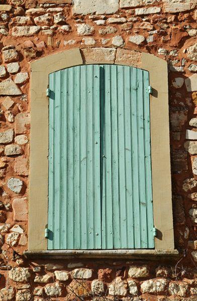 Green shutters Roussillon