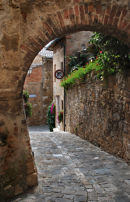 val d'orcia street