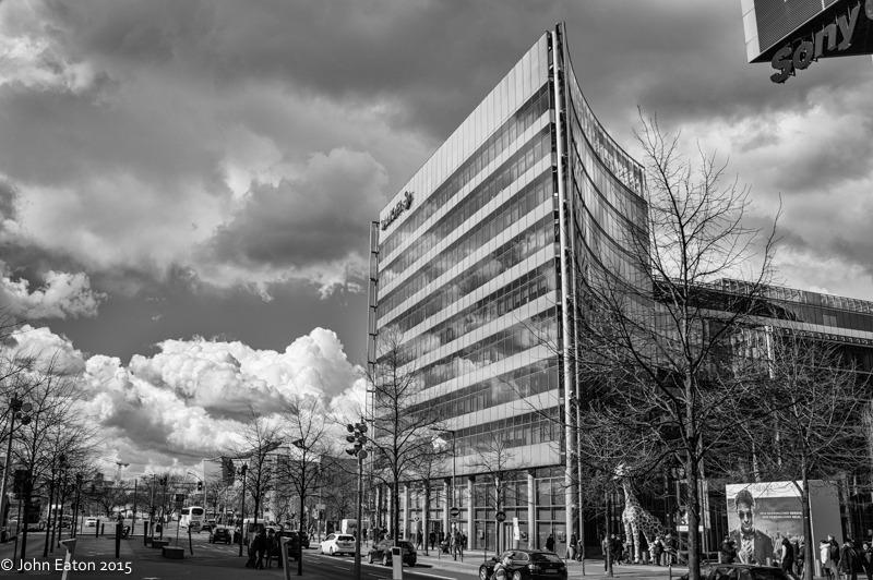 Sanofi Building, Sony Center