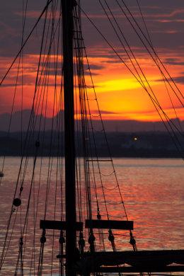 Sunset through the Rigging over Dublin 5881