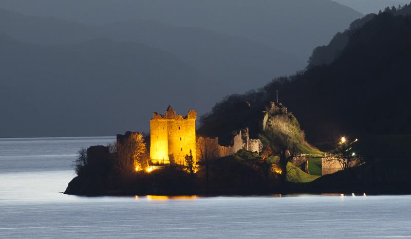 KW-SH-17-54 Urquhart Castle Loch Ness