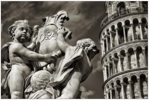 Pisa Statues