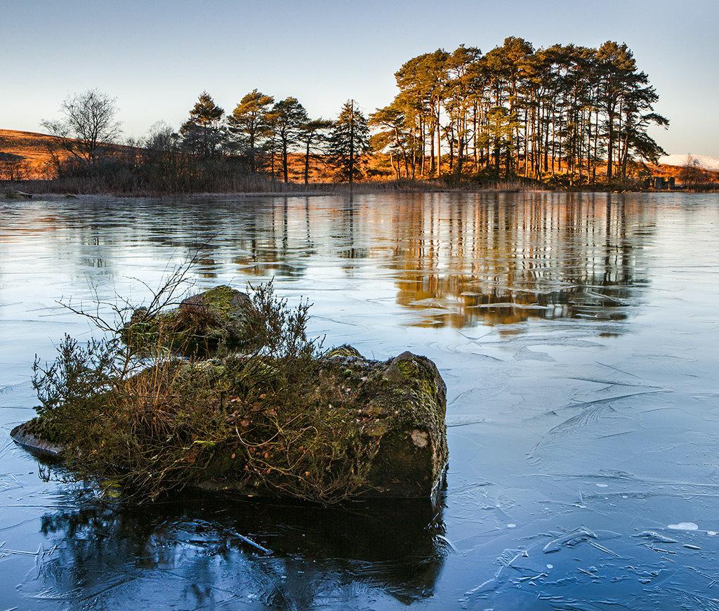 Ice at Knowetop Lochs