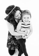 Such a beautiful and natural mother & daughter photo from a family session