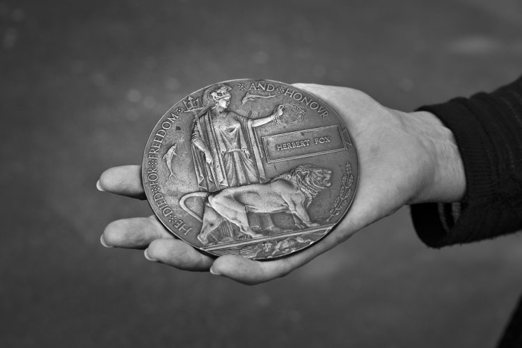 Herbert Fox's uncle's WWI death penny, September 2014