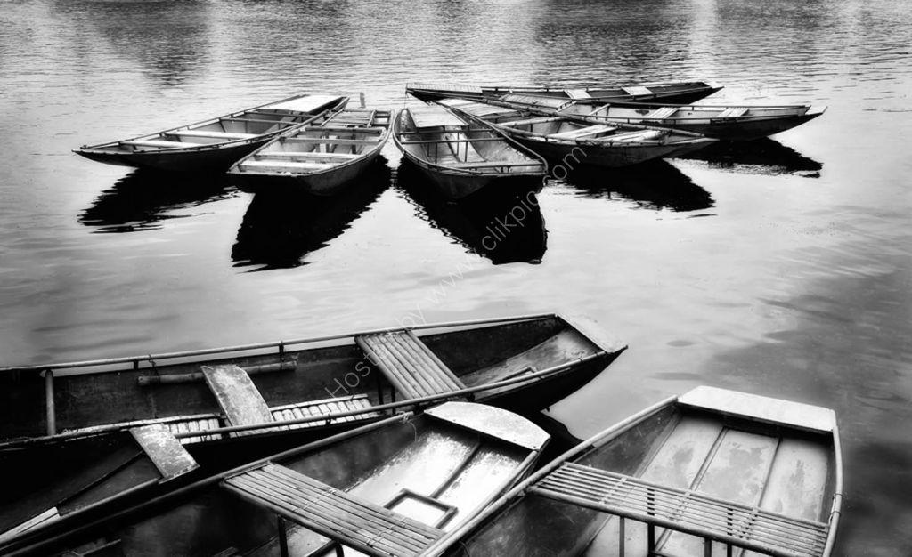 Tam Coc sanpan boats