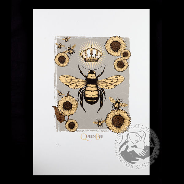 Queen Bee grey limited edition of 20 (290x380mm)