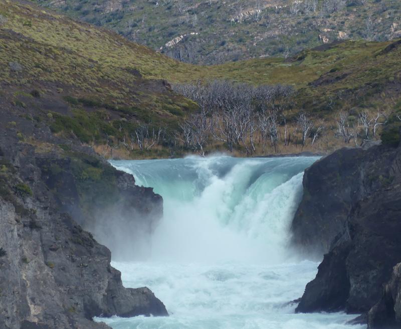 Waterfall into Lago Sarmiento
