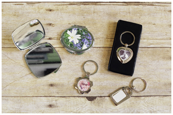 KEYRINGS COMPACTS