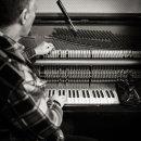 piano-tuner-03
