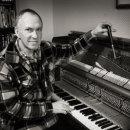 piano-tuner-04