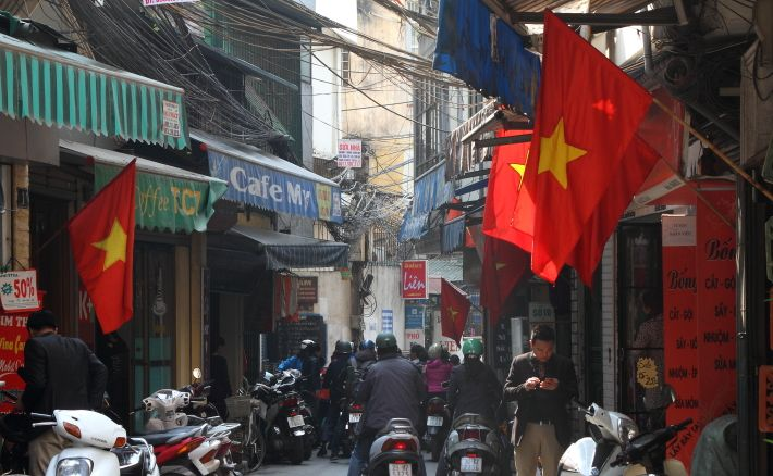 Flags for Tet