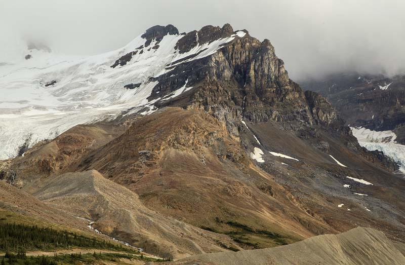 Montagne près du champs de glace
