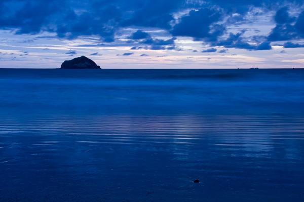 Coucher de soleil bleu sur le Pacifique