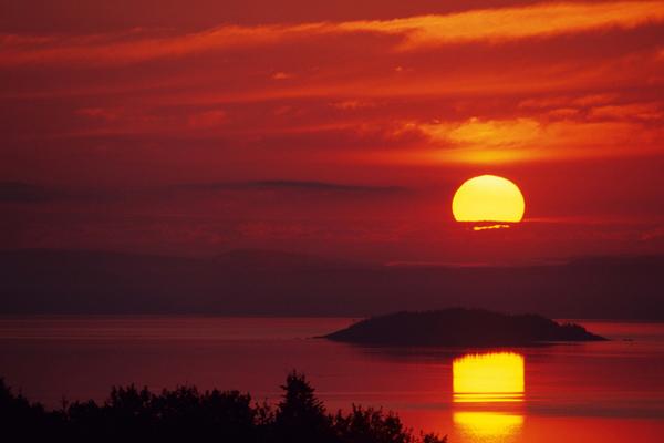 Lever de soleil sur l'île Ronde 1 - Île Verte, Québec