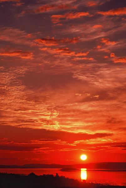 Lever de soleil sur l'île Ronde 2 - Île Verte, Québec