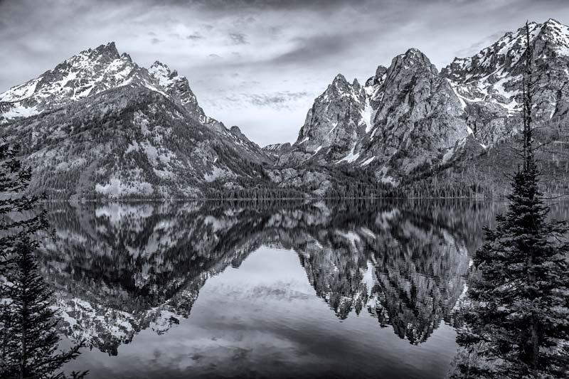 Jenny Lake au petit matin - noir et blanc