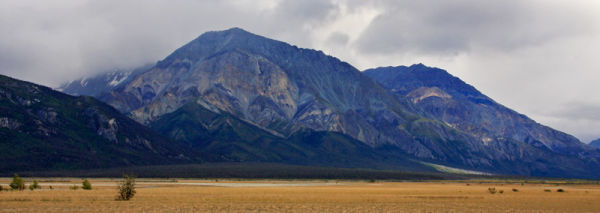 Montagnes près de <em>Kluane Lake</em>