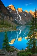 Lac Moraine à l'aurore
