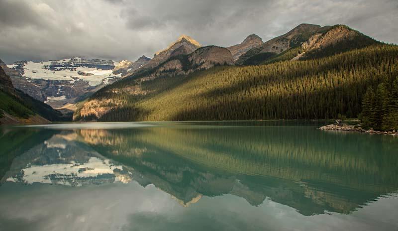 Lac Louise au petit matin