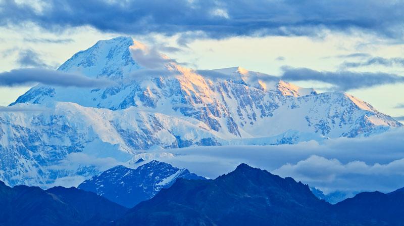 Mont Denali au lever du soleil