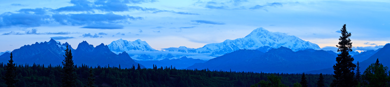 Mont Denali à l'aube - pano