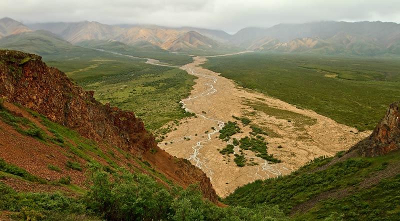 Rivière de Polychrome Pass