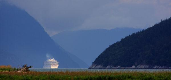 Navire de croisière quittant Skagway