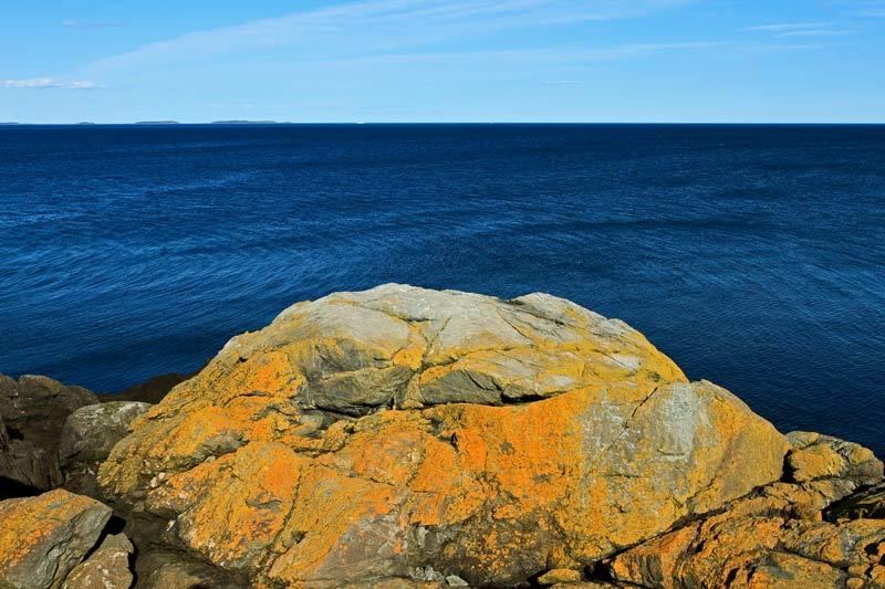 Le rocher et la mer