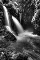 Virgin Creek Falls - Noir et blanc - Vertical