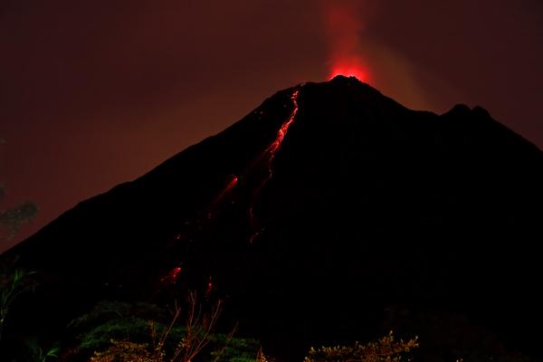 Coulée de lave au volcan Arenal 1