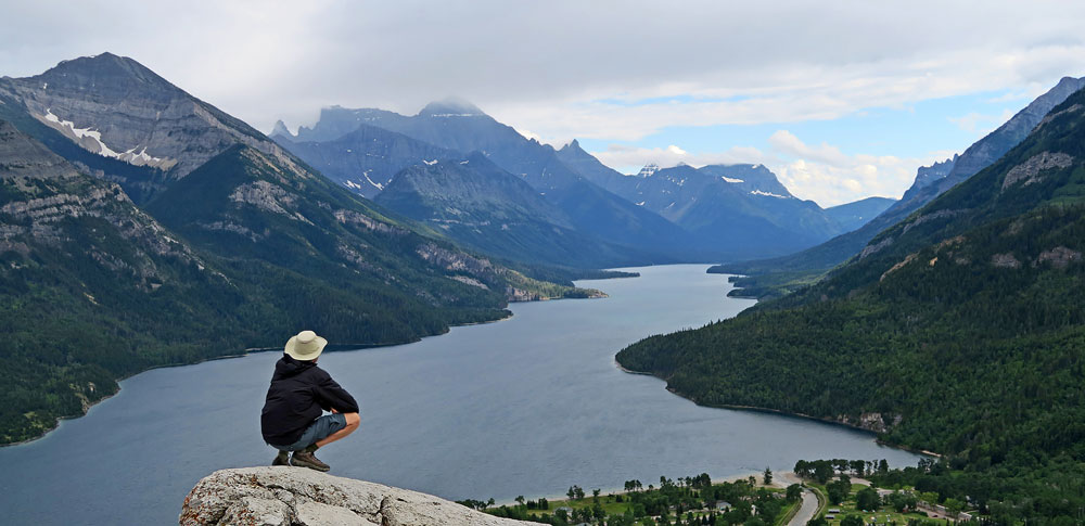 Contemplation du Lac Upper Waterton
