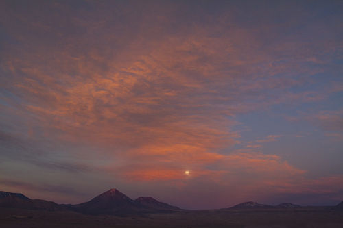 atacama moonrise