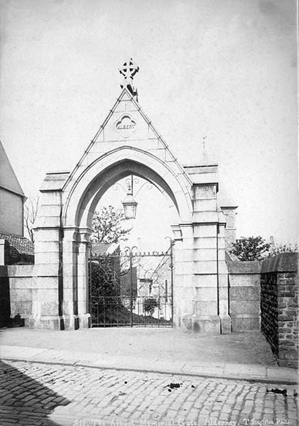 511-Albert-Memorial-Gate-Alderney