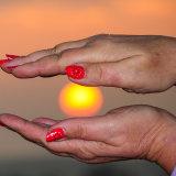 Sun ~ In Katie's hands mg 0044