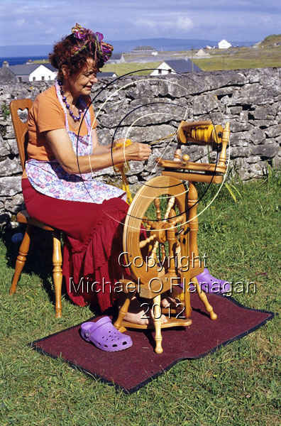 Mairead Sharry working on Spinning Wheel, Inis Oirr Ref. # F699.5
