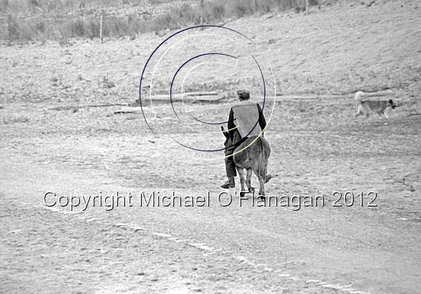 Paraicin Tom Griffin riding on his Donkey, Inis Oirr (1978) Ref. # F11.6aCR